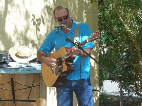 Live music at Cafe Salud